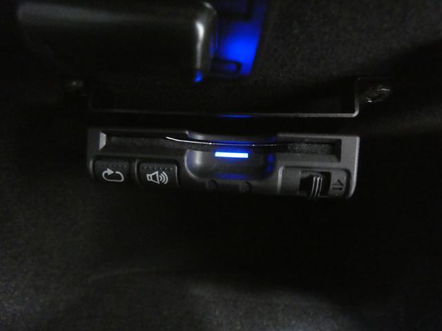 ベースグレード 右H 正規D車 ガラスSR 黒レザー 純正ナビ地デジBカメラ パークアシスト シートヒーター キセノンHL 19AW 禁煙車 V型6気筒ターボ パドルシフト 8速AT(41枚目)