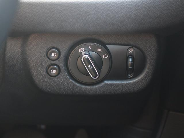 クーパーD クラブマン LEDライト 純正HDDナビ 17AW コンフォートアクセス 禁煙1オナ DOHC 直列4気筒ディーゼルターボ 8速AT 右ハンドル 正規ディーラー車 本州仕入(54枚目)