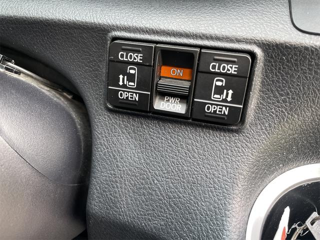 ハイブリッドG クエロ フリップダウンモニター LEDヘッドランプ BTナビTV ETC バックカメラ両側パワースライドドアトヨタセーフティーセンス 新品タイヤ(19枚目)