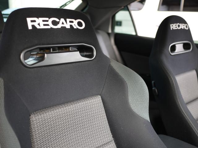 ★RECAROシートは、ちょうどよい硬さとホールド性もしっかりあり、ドライブがより一層楽しめます!