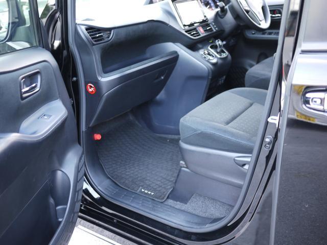 ★大切なパートナーを乗せる助手席も運転席同様広々としております!シートコンディションも良好です!