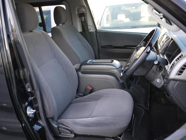 ★運転席、助手席共に広々としており、長時間の運転でも疲れ知らずですよ♪