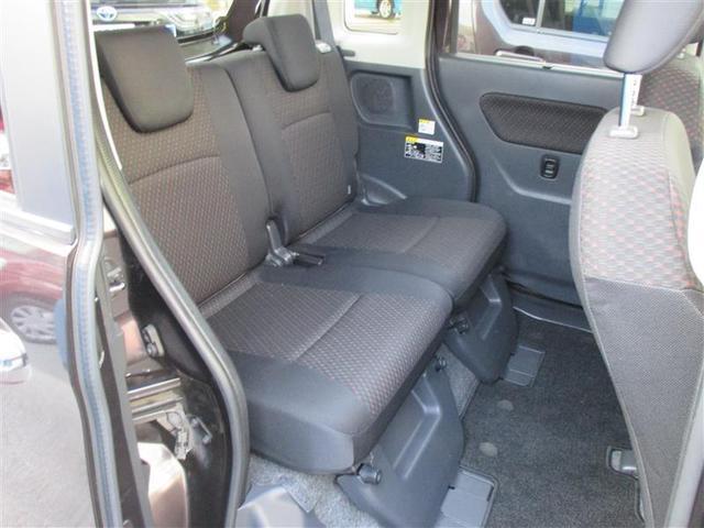 リヤ席内装