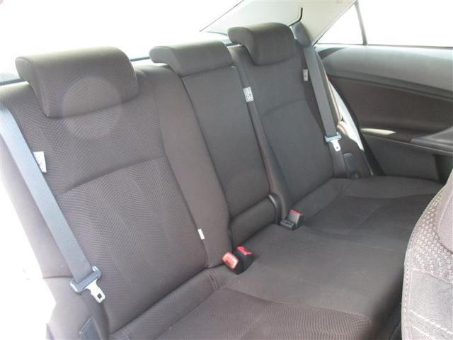 上質シートで疲れなくドライブを楽しむことができます。