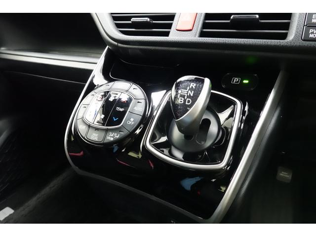 ハイブリッドZS 煌II TRDエアロ トヨタセーフティセンス フリップダウンモニター LEDヘッドライト(20枚目)