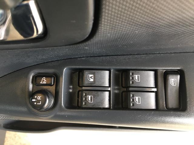 カスタムX キーフリー パワースライドドア ピラーレス スマートキー ウィンカーミラー 純正アルミ USBオーディオ(22枚目)