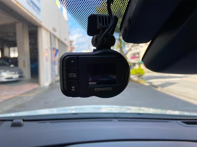 ドライブレコーダー付きです!安心ですね〜!