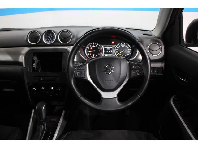 「SUVとしての力強さと高品質設計」をデザインテーマに、力強いSUVを表現したスポーティーで上質なインテリアを追求