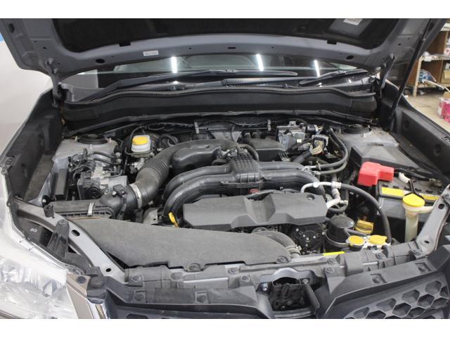 水平対向4気筒DOHC16バルブ 最高出力148ps(109kW)/6200rpm最大トルク20.0kg・m(196N・m)/4200rpm