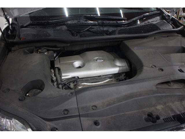 直列4気筒DOHC16バルブ 最高出力188ps(138kW)/5800rpm最大トルク25.7kg・m(252N・m)/4200rpm