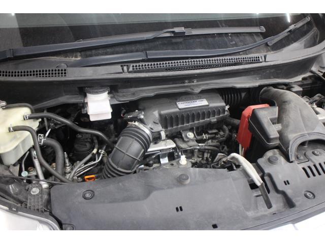 水冷直列4気筒DOHC16バルブターボ 最高出力150ps(110kW)/5500rpm最大トルク20.7kg・m(203N・m)/1600〜5000rpm
