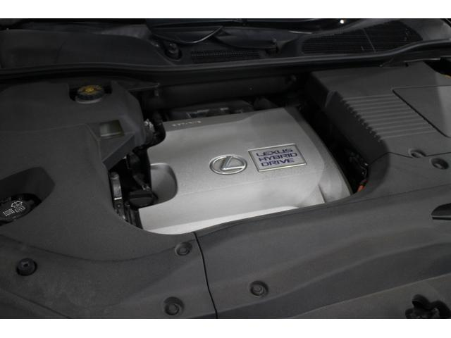 V型6気筒DOHC+モーター 最高出力 249ps(183kW)/6000rpm最大トルク 32.3kg・m(317N・m)/4800rpm