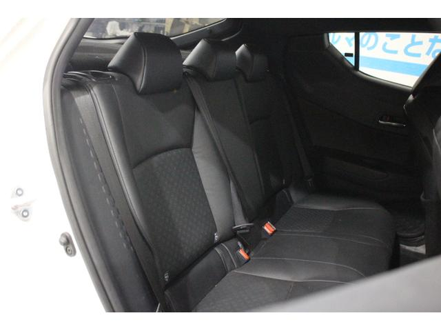 「トヨタ」「C-HR」「SUV・クロカン」「沖縄県」の中古車12