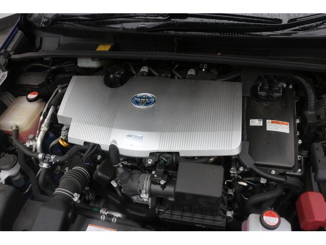水冷直列4気筒DOHC+モーター 最高出力98ps(72kW)/5200rpm最大トルク14.5kg・m(142N・m)/3600rpm