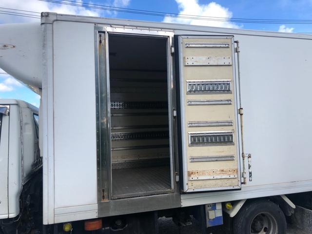 3t低温冷凍車 パワーゲート MT6速 ディーゼル(5枚目)