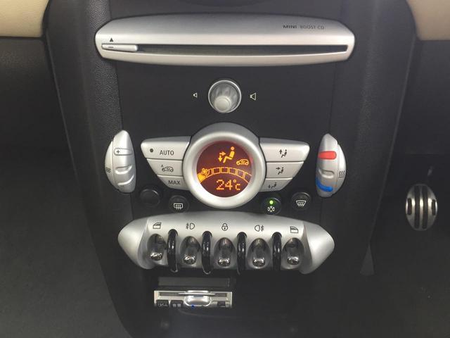 当店ではセレクト5オーダーを採用しております。セレクト5オーダーとは 1:車種 2:年式 3:走行距離 4:装備・色 5:ご予算 のお客様の5つのご要望に合わせ、お車をお選びお選びいたします。