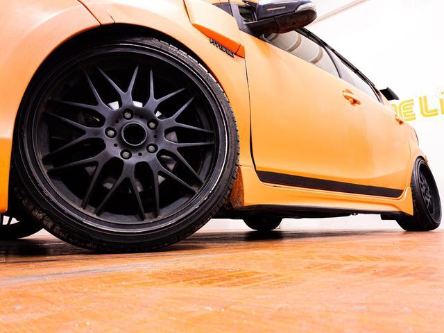 S ガルウィング 社外フルエアロ 引っ張り出しタイヤ フェンダー耳折り加工 デイライト 社外アルミホイール RECAROセミバケシート Bluetoothオーディオ(4枚目)