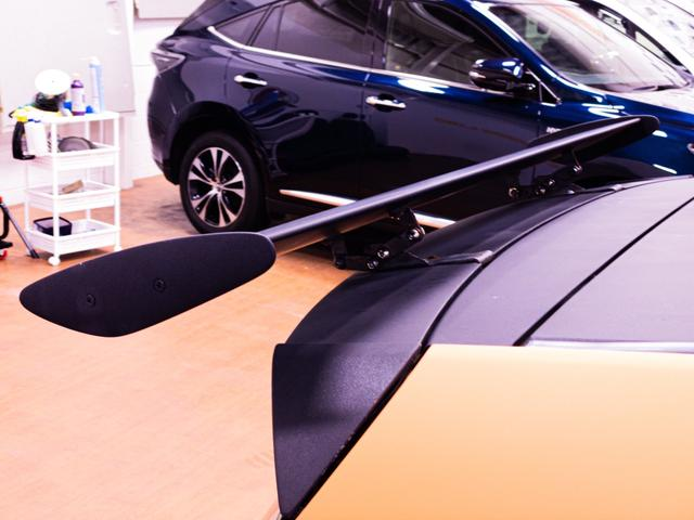 S ガルウィング 社外フルエアロ 引っ張り出しタイヤ フェンダー耳折り加工 デイライト 社外アルミホイール RECAROセミバケシート Bluetoothオーディオ(8枚目)