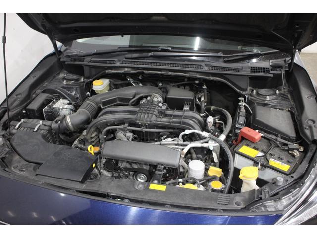 水平対向4気筒DOHC16バルブ 最高出力115ps(85kW)/6200rpm最大トルク15.1kg・m(148N・m)/3600rpm