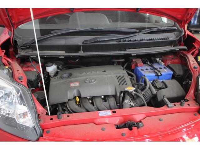直列4気筒DOHC 最高出力109ps(80kW)/6000rpm最大トルク13.9kg・m(136N・m)/4800rpm