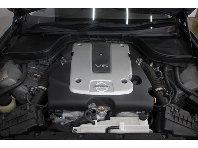 V型6気筒DOHC 最高出力225ps(165kW)/6400rpm最大トルク26.3kg・m(258N・m)/4800rpm