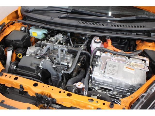 水冷直列4気筒DOHC+モーター 最高出力74ps(54kW)/4800rpm最大トルク11.3kg・m(111N・m)/3600〜4400rpm