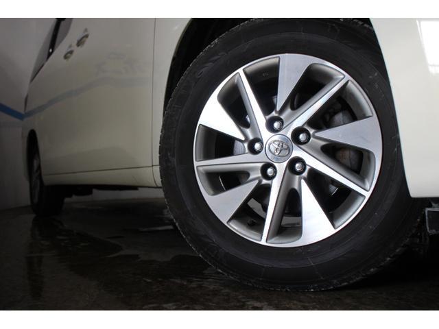 タイヤサイズ(前)215/65R16 98Hタイヤサイズ(後)215/65R16 98H