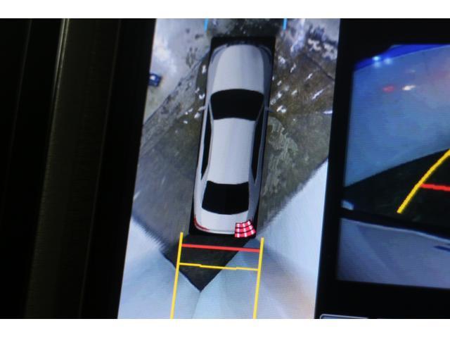 パノラミックビューモニターは見えない死角をカバーするクリアランスソナー付き