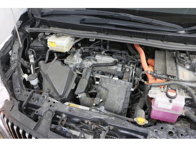 直列4気筒DOHC+モーター 最高出力99ps(73kW)/5200rpm最大トルク14.5kg・m(142N・m)/4000rpm