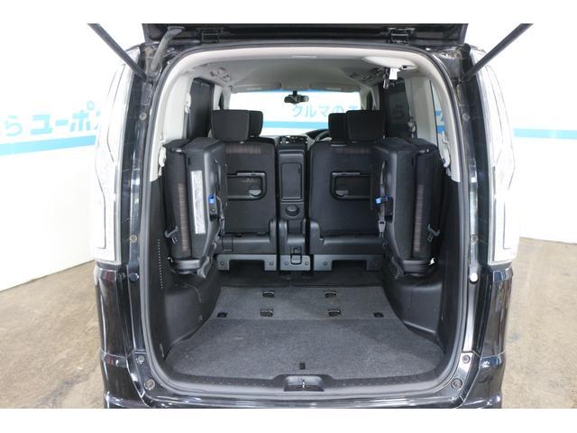 シートをしまえば収納倍増、大きな荷物も楽々積み込めます