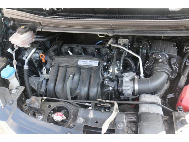 水冷直列4気筒DOHC16バルブ+モーター 最高出力110ps(81kW)/6000rpm最大トルク13.7kg・m(134N・m)/5000rpm