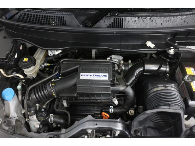 水冷直列3気筒DOHC12バルブ 最高出力58ps(43kW)/7300rpm最大トルク6.6kg・m(65N・m)/3500rpm