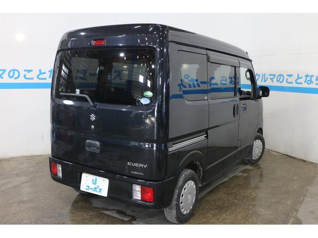 「広さ」、「低燃費」、「使いやすさ」を追求し、荷室サイズ、低燃費と力強い走り、豊富な収納スペースと優れた積載性が特長