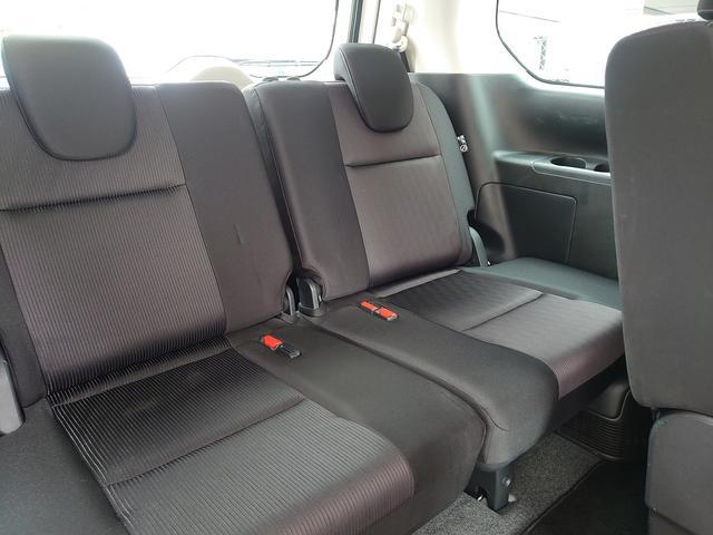 サードシートも広々快適にご乗車できます