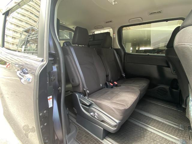 バッテリーはフロントシート下に配置することで、ゆったりくつろげる居住空間や大容量の荷室、優れた使い勝手を確保