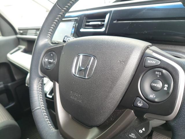 Honda SENSING(衝突軽減ブレーキ、誤発進抑制機能、歩行者事故低減ステアリング、路外逸脱抑制機能、アダプティブクルーズコントロール、車線維持支援システム、先行車発信お知らせ機能、標識認識機能