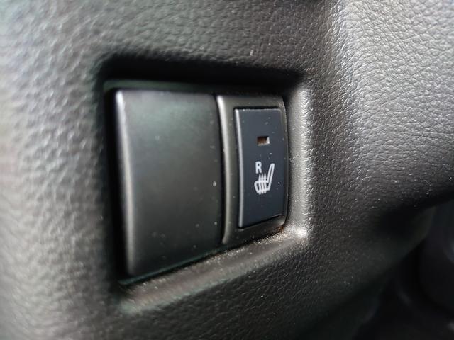 運転席には寒い日快適な、シートヒーター機能もついてます