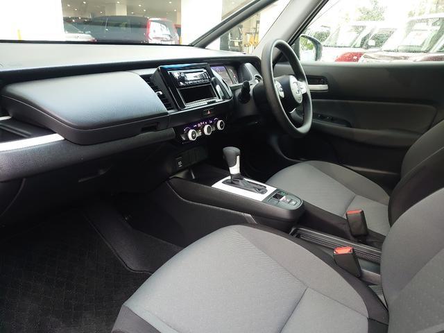 フロントシートには骨盤から腰椎までを樹脂製マットで支えるボディースタビライジングシートをホンダとして初めて採用