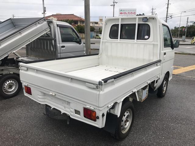 ダイハツ ハイゼットトラック 4WD エアコン 5速MT