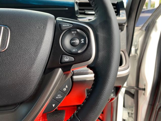 レーダーとカメラを融合した先進の安全運転支援システム・歩行者事故低減ステアリング・衝突軽減ブレーキ・車線維持システム・道路標識認識機能・前方車追従機能・