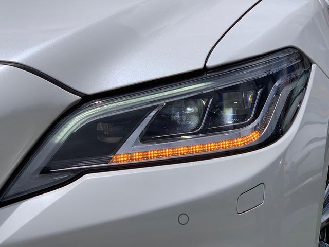 三眼フルLEDオートヘッドライト・LEDクリアランスランプ・アダプティブハイビーム♪LEDシーケンシャルターンランプ(流れるウインカー)前後・デイライト機能付き♪