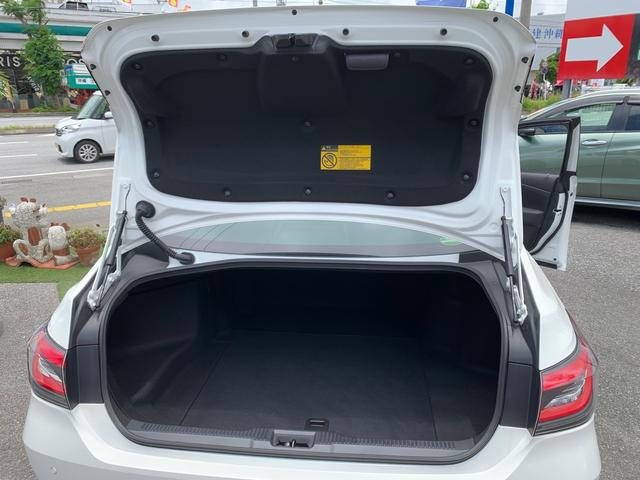 電動イージークローザーバックドア(半ドア防止)緊急ブレーキシステム・クリアランスソナー・