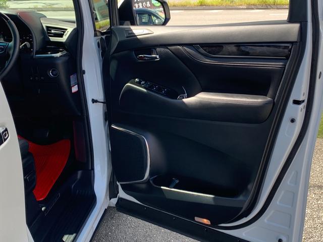 スマートエントリーシステム(運転席・助手席・バックドア/アンサーバック機能付)+プッシュスタートシステム+スマートキー2個