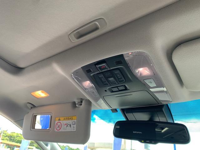 サンバイザー(バニティミラー&照明[運転席・助手席]+チケットホルダー[運転席]付)LEDルームランプ・Wパワースライドドア・パワーバックドア操作スイッチ