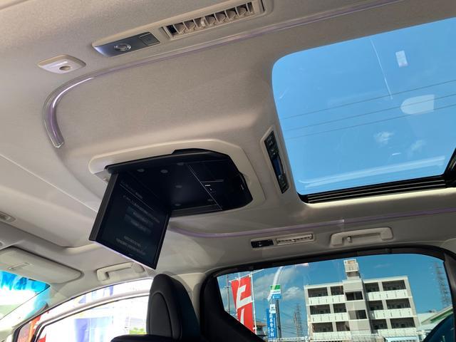 後席用アルパイン12インチフリップダウンモニター・ルーフアンビエントライトLED色変え出来ます。