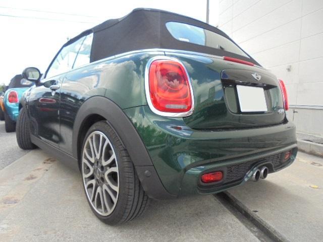 クーパーSコンバーチブル!BRG(ブリティッシュレーシンググリーンン)内装レザーチェスターモルトブラウン装備!人気の組み合わせが魅力の上級モデルです!新車保証継承全国納車対応致します!!