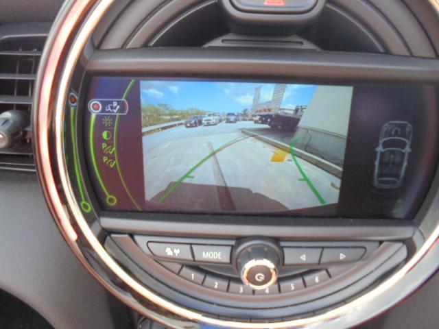 ブリティッシュレーシンググリーン・ペッパーパック・YOURSパックMALT・リアビューカメラ・ドライビングモードなどメーカーOP約62万円装備しています!!