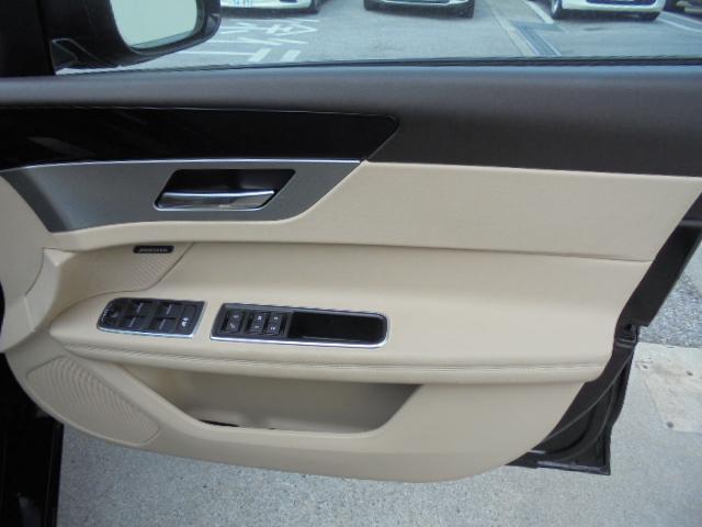 プレステージ ブラックパッケージ仕様車新車保証継承(5枚目)