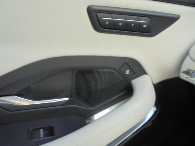 R-Dynamic SE 新車時650万本体価格+メーカーオプション約125万円=775万円本体価格総額です!充実装備の新型 Eペイスを誰よりも早くお乗り頂けますよ!!