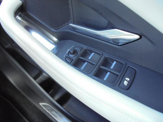 2.0リッターガソリンエンジン、水冷4気筒DOHCターボチャージャー249ps365N・m 外装色シリコンシルバー(プレミアムメタリック¥175,000円)